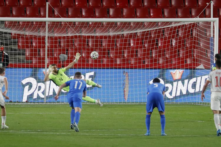 Spain Greece Anastasios Bakasetas penalty